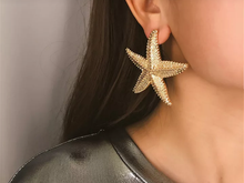 Load image into Gallery viewer, Starfish Stud Earrings