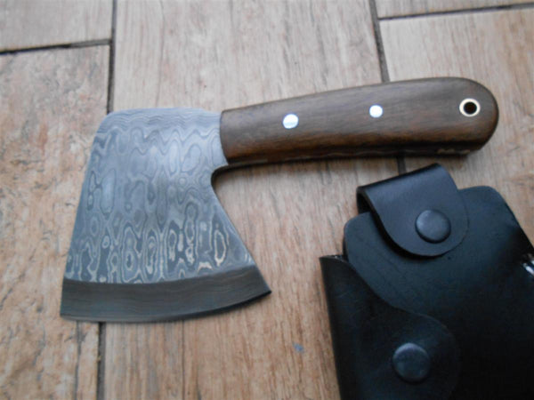 SALE! Beautiful Damascus hatchet - perfect for bushcraft and camping! Walnut handle. BARGAIN!