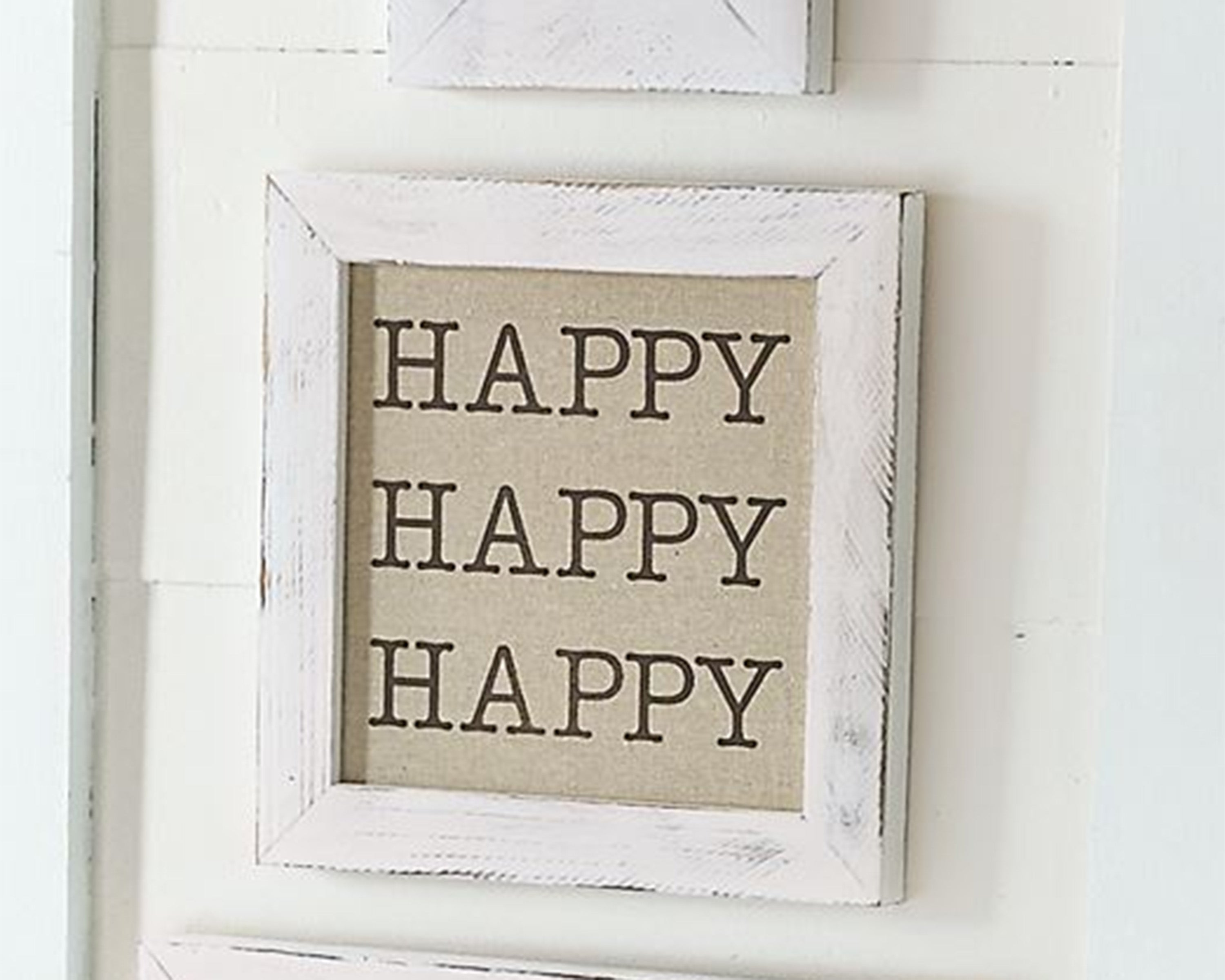 WHITE DISTRESSED LINEN PLAQUES