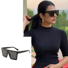 Load image into Gallery viewer, Bold Black Sunglasses