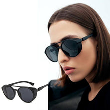 Load image into Gallery viewer, Matte Black Round Sunglasses With Side Grill