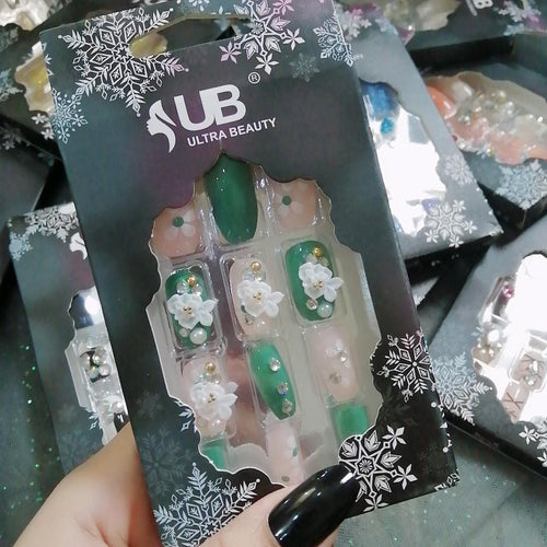 Ultra Beauty 3D Stone Nails Green