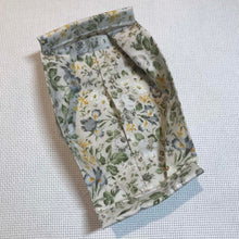 Load image into Gallery viewer, Mask with Filter Pocket - Victorian Floral