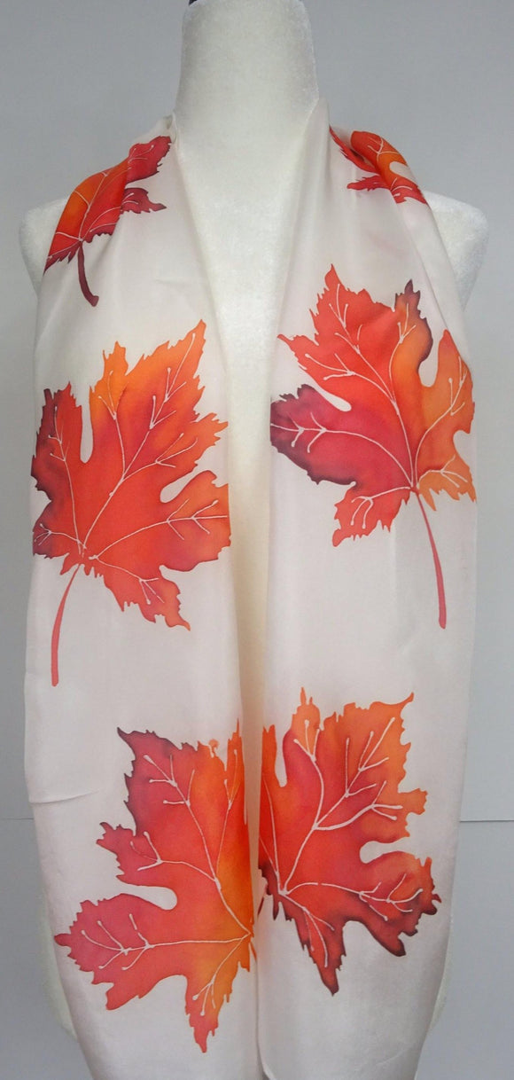 Canadian Maple Leaves Scarf in red and white