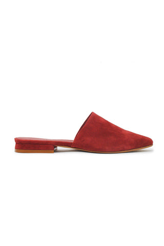 ABLE Marlene Feminine Mule in Cherry Suede. A classic, minimal mule so easy to wear that you might find yourself wearing them every single day. Suede upper with a pointed toe. Padded insole. Color red burgundy. 100% suede upper. Sizes 6 7 8 9 10.