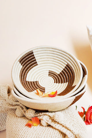 Geometric White & Gold Plateau Basket