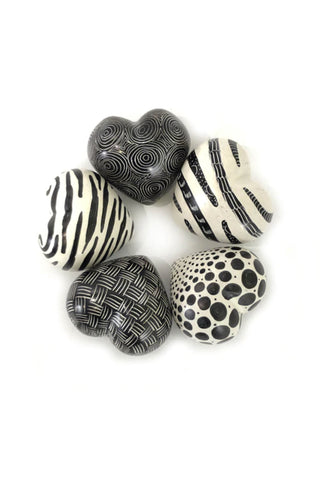 Black & White Graphic Stone Hearts - Set of 5