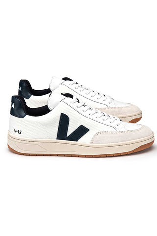 Veja Fall 2018 V-12 White Nautico B-Mesh Sneaker. Upper in B-Mesh, with leather panels. Logo V made from wild rubber. Insole made from recycled cotton and polyurethane. Sole made of wild rubber from the Amazonian forest. Made in Brazil in the region of Porto Alegre. Color white navy. 100% leather. Sizes 36 37 38 39 40 41.
