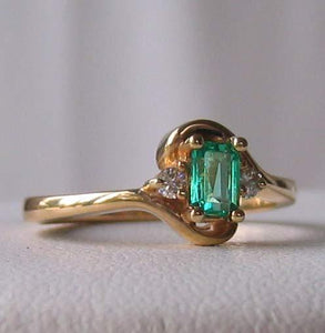 Emerald & White Diamonds Solid 14Kt Yellow Gold Solitaire Ring Size 6 3/4 9982Be - PremiumBead Alternate Image 3