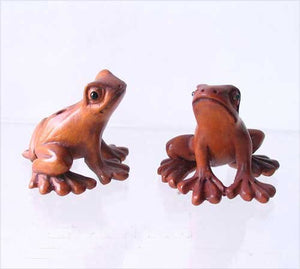 Ribbit Carved Boxwood Signed Tree Frog Ojime/Netsuke Bead | 18x26x21mm | Brown - PremiumBead