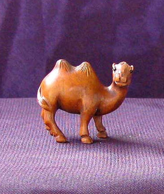spittin-carved-signed-boxwood-camel-ojime-netsuke-bead-31x21x15mm-brown-12364