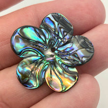 "Load image into Gallery viewer, Abalone Flower/Plumeria Pendant Bead 8"" Strand 