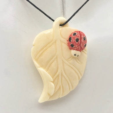 loving-ladybug-on-a-leaf-hand-carved-pendant-bead-44x29x8-5mm-10870-15090