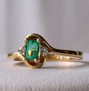 Emerald & White Diamonds Solid 14Kt Yellow Gold Solitaire Ring Size 6 3/4 9982Be - PremiumBead Alternate Image 4