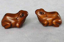 Load image into Gallery viewer, Ribbit Carved Boxwood Froggie Toad Ojime/Netsuke Bead | 27x18x13mm | Brown - PremiumBead