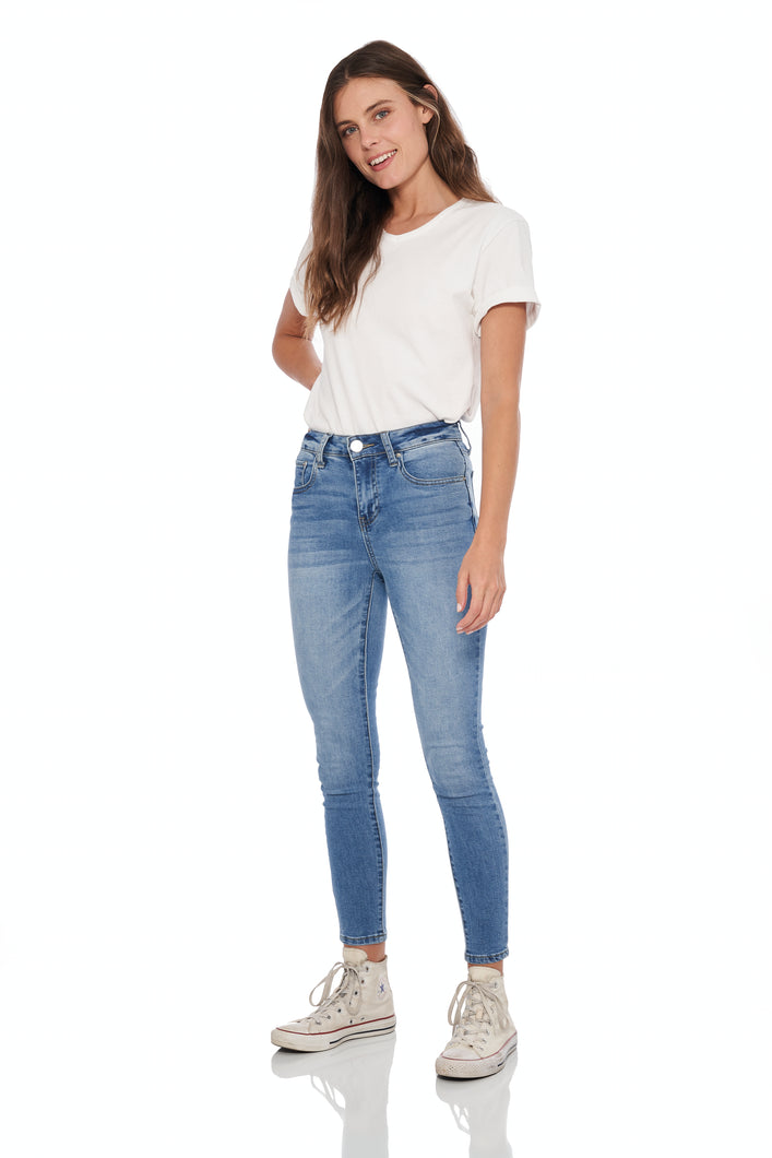 High rise super soft skinny denim in light blue wash with 5 pocket details. Whiskers at front and sanding at front and back, honey gold thread throughout and silver hardware.