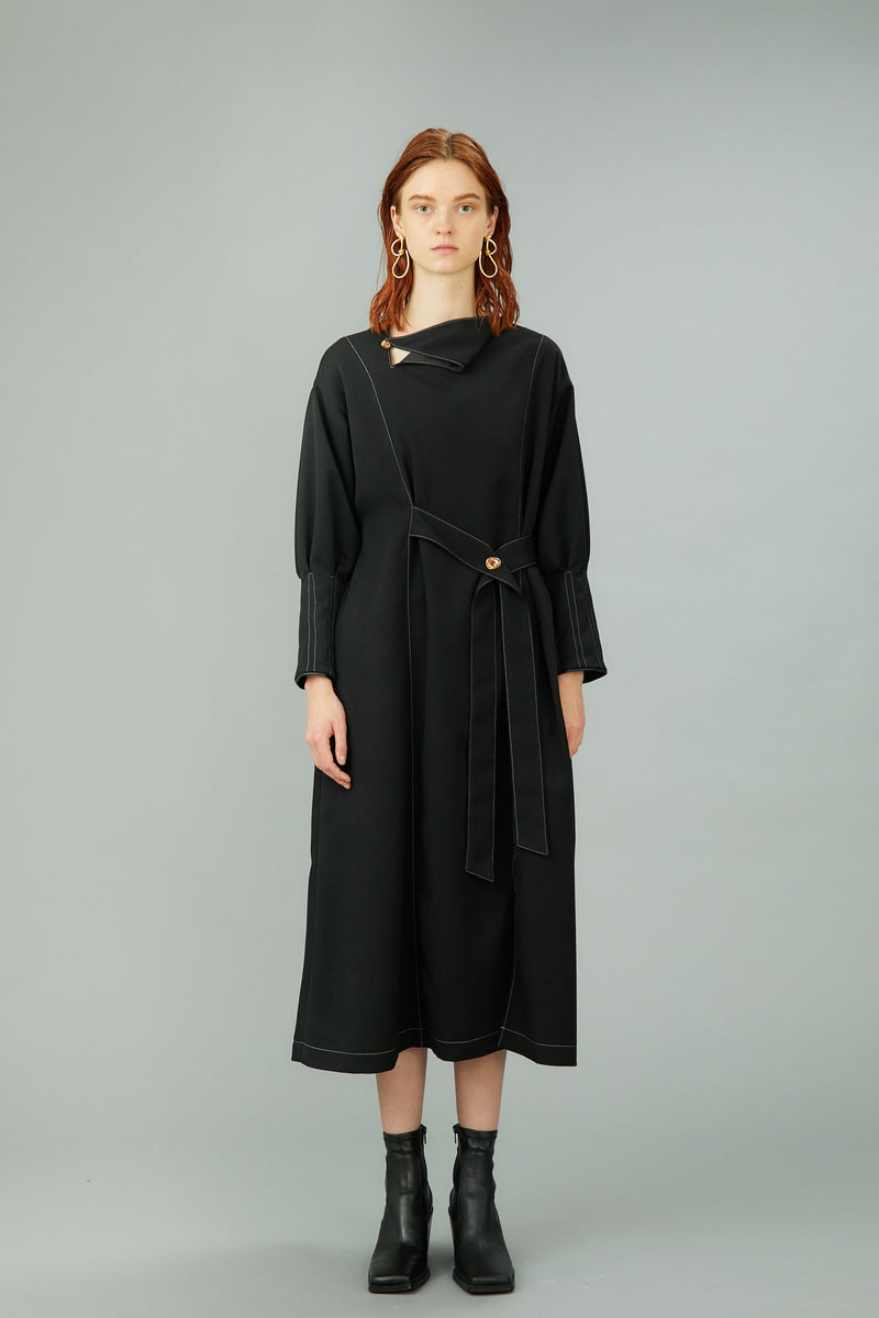 tack sleeve dress with antique shell buttons (black)