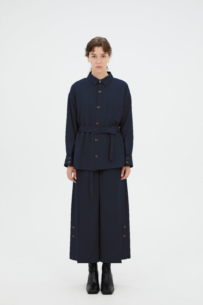 wide trousers with antique shell buttons (navy)
