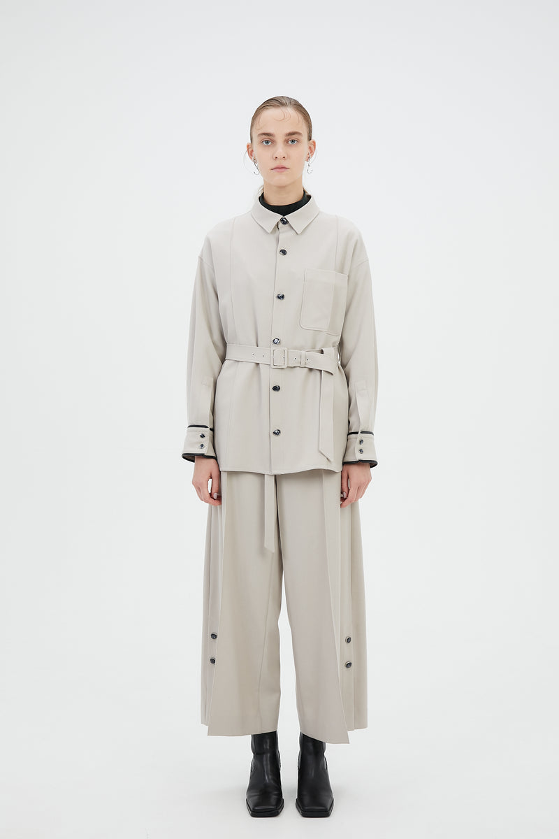 wide trousers with antique shell buttons (light gray)