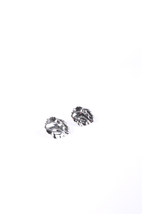 MURRAL crumpled plate ear accessory (silver)