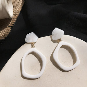 White Geometric Round Square Irregular Hollow Pearlescent Starry Sky