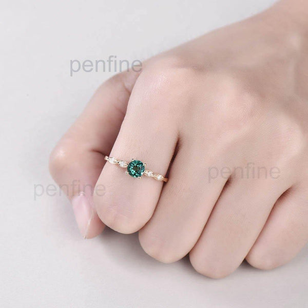 emerald rings for women in hand