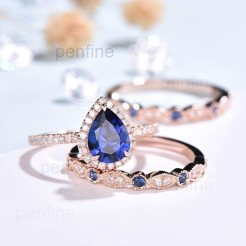 Pear Shaped Sapphire Wavely Engagment Ring Set