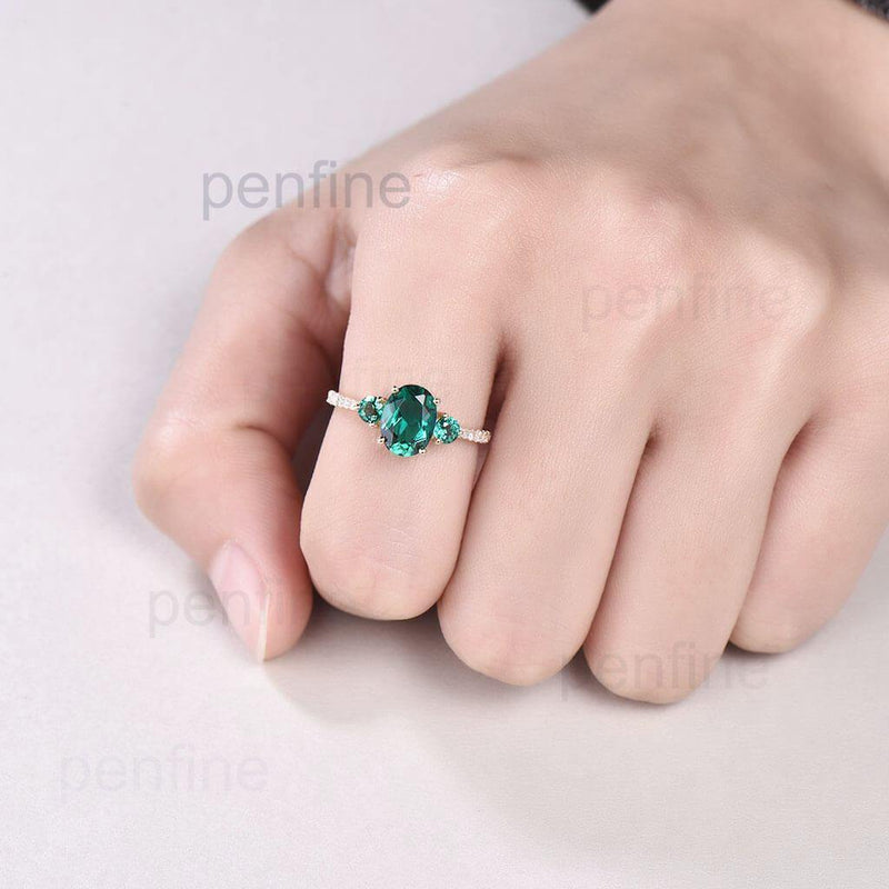 emerald ring yellow gold