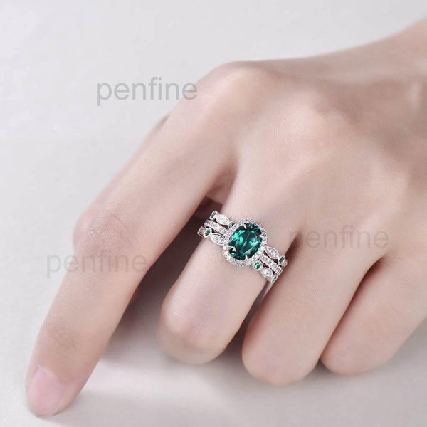 emerald engagemnt ring set white gold