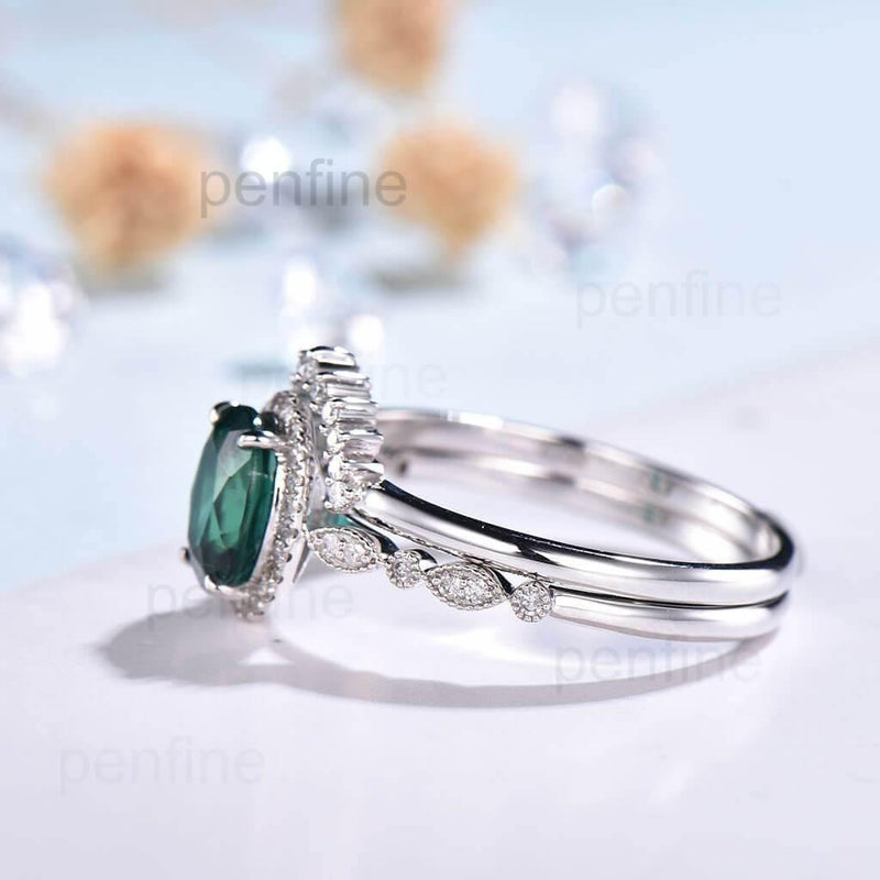 emerald ring side