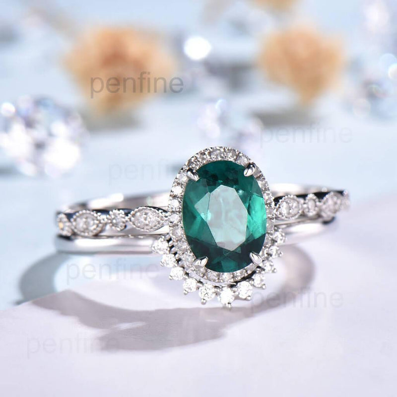 oval cut emerald engagement ring set