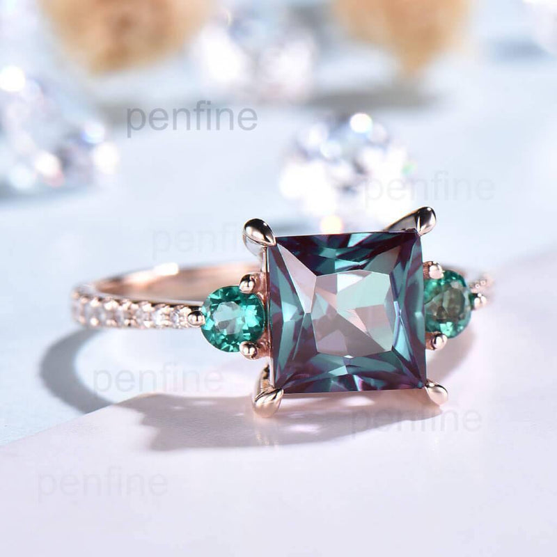 alexandrite and emerald ring