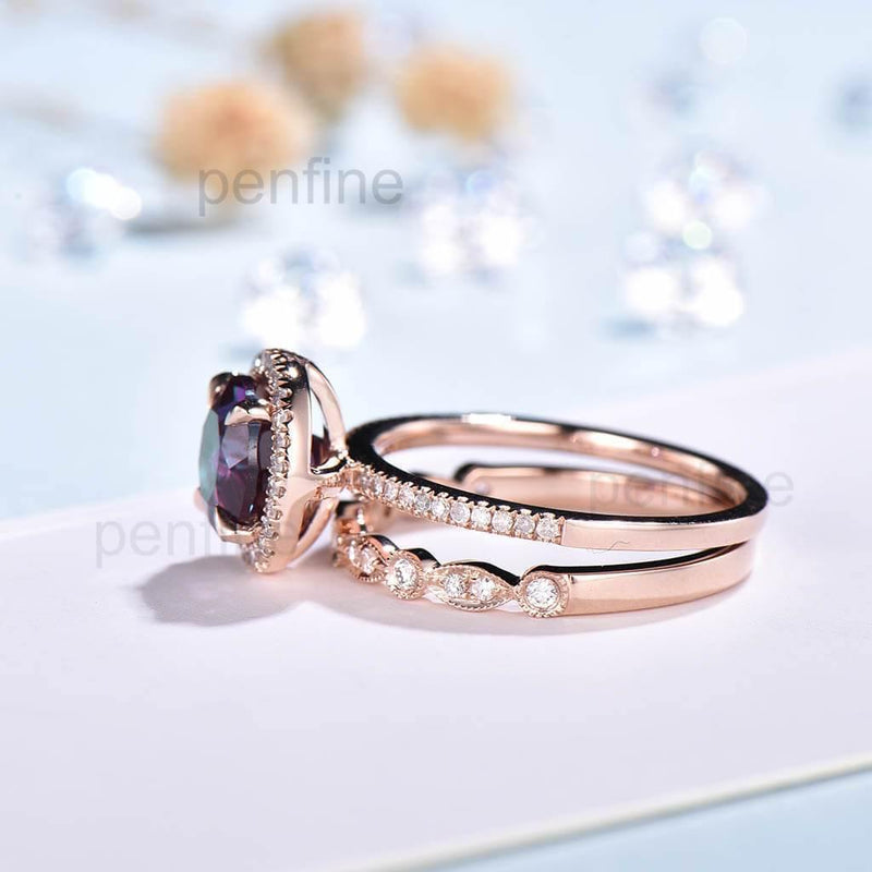 Diamond halo alexandrite ring set