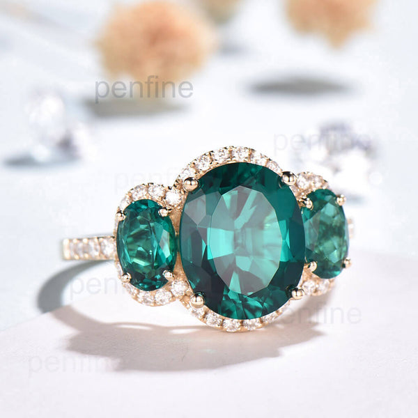vintage emerald engageemnt ring