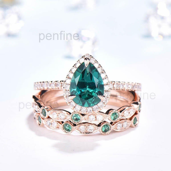 Pear shaped emerald wedding set