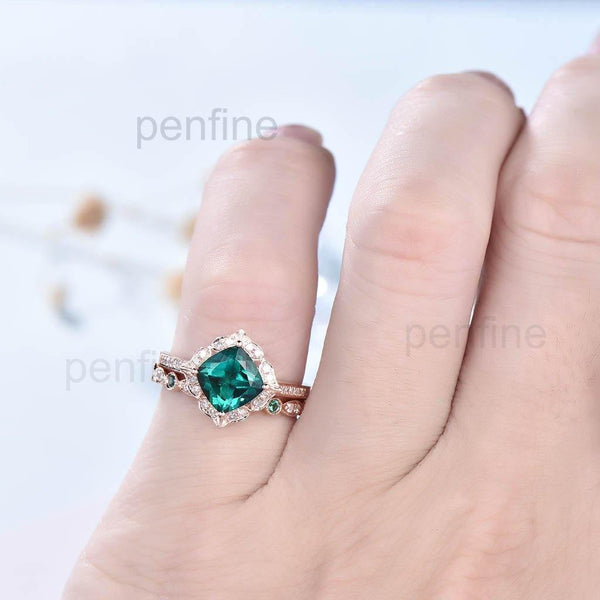 Floral Cushion Emerald Diamond Halo Engagement Ring Set 2pcs - PENFINE