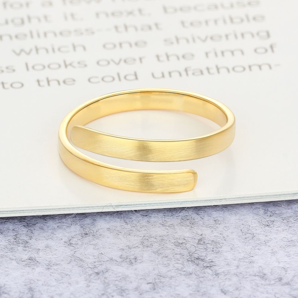 Customized lettering ring