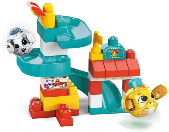 Mega Bloks Toys MEGA BLOKS FIRST BUILDERS PEEK A BLOCK HERO PLAYSET (BLOCK CHANGES)