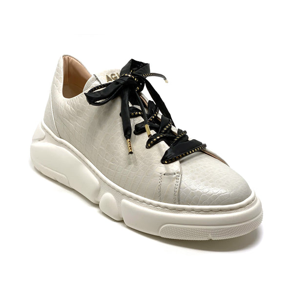 D9380 Chunky Low Top Sneaker