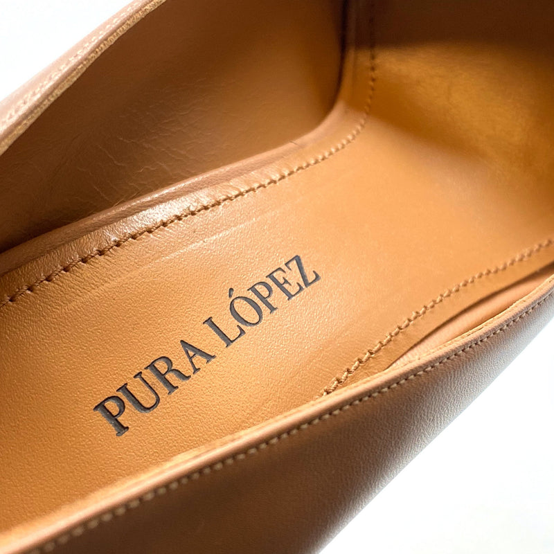 Pura Lopez AO127 Pumps