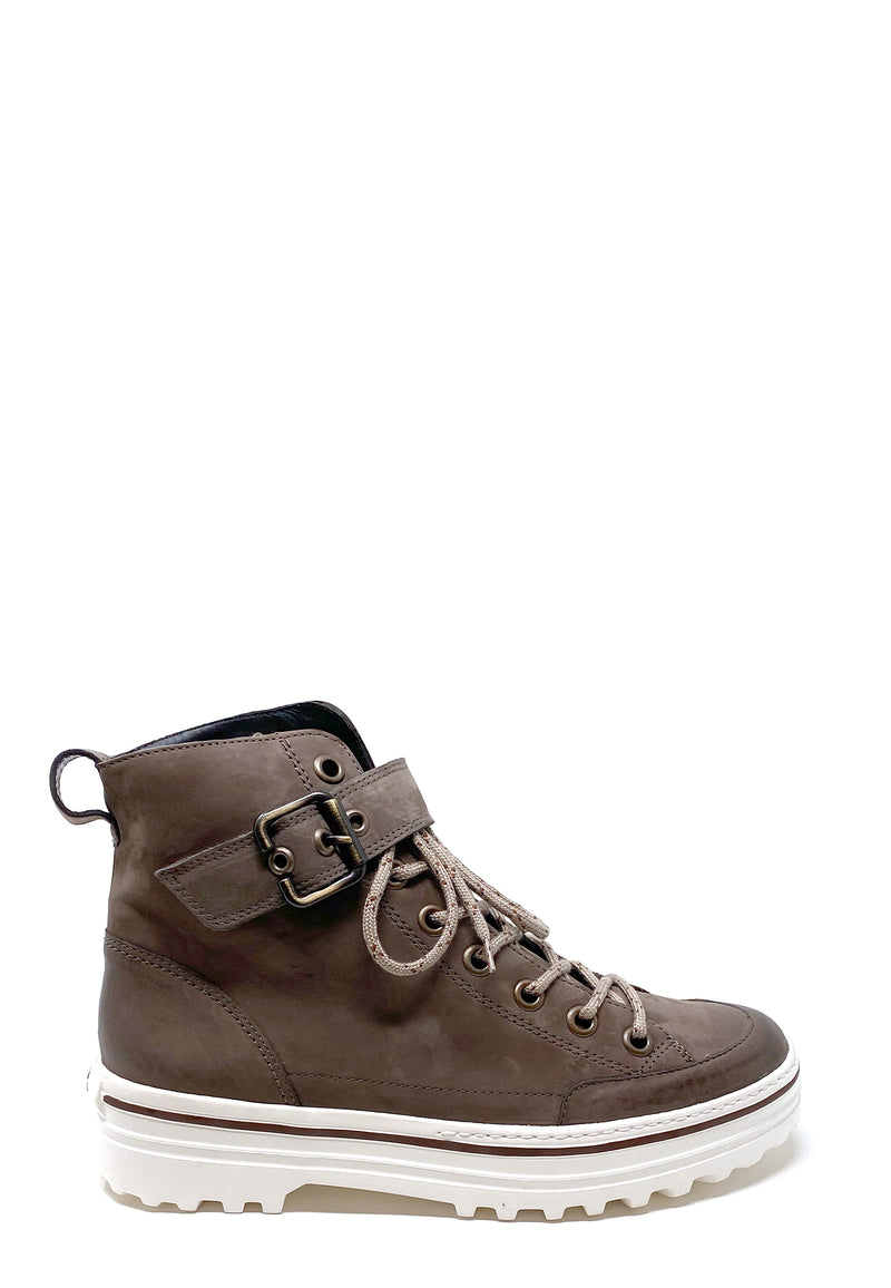 4852 High Top Sneaker
