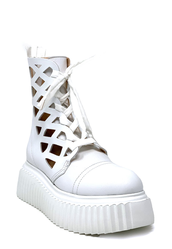 751517 Cut Out Boots | Bianco
