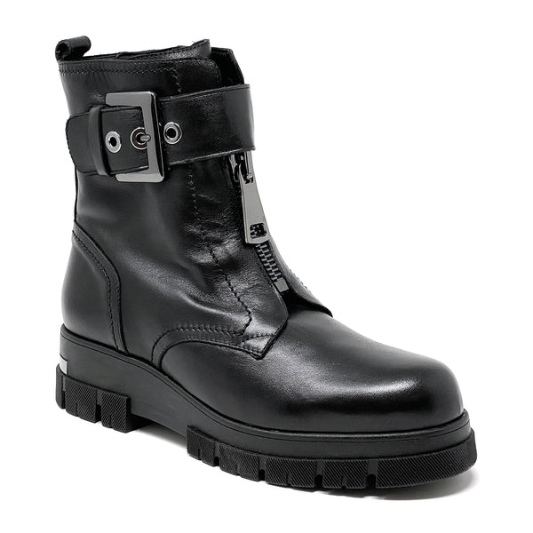 0074 Boots