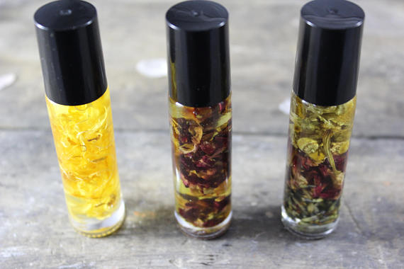 Organic Essential Oil Perfume / Perfume Oil/ - Wands Of Nature