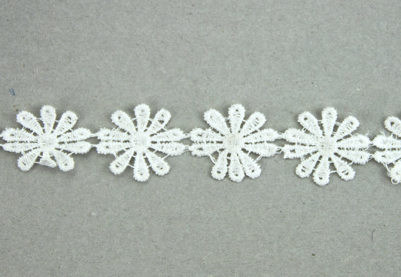 Lace - 25mm Flower White