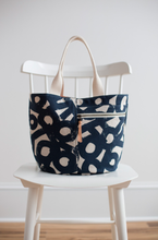 Load image into Gallery viewer, Noodlehead Crescent Tote