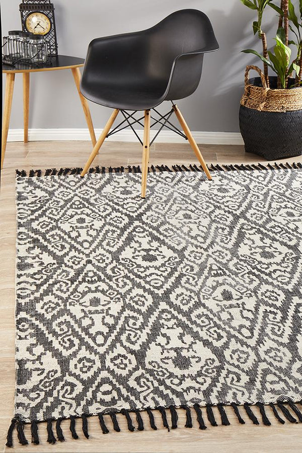 Zulu Totemic Convene Black Rug - Block & Crate