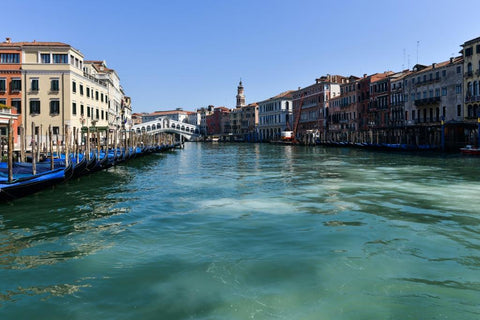 venice canals are clearer due to Italian lockdown