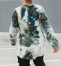 Load image into Gallery viewer, Green Long Sleeve Tie Dye Tee
