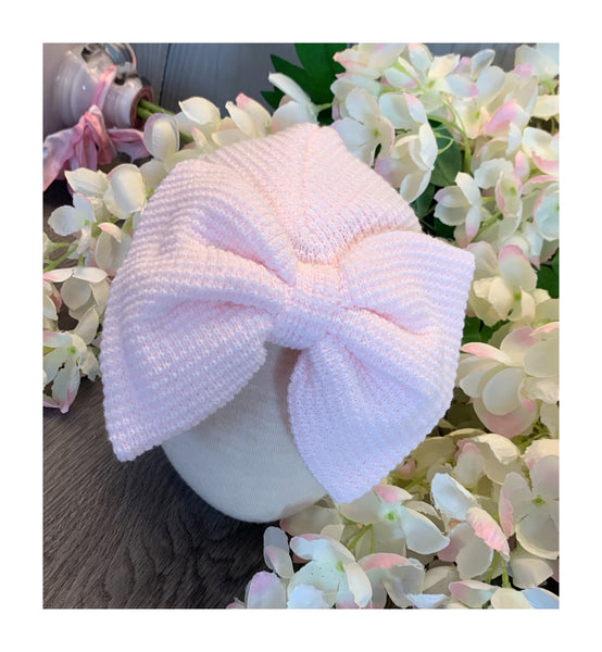 Knitted turban with bow